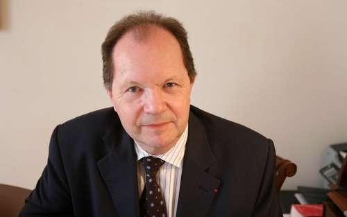Philippe Bilger est magistrat honoraire, il a exercé pendant plus de vingt ans la fonction d'avocat général à la cour d'assises de Paris.