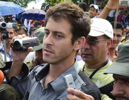 Roméo Langlois, le mercredi 31 mai 2012, lors de sa libération par les Farc après 33 jours de captivité