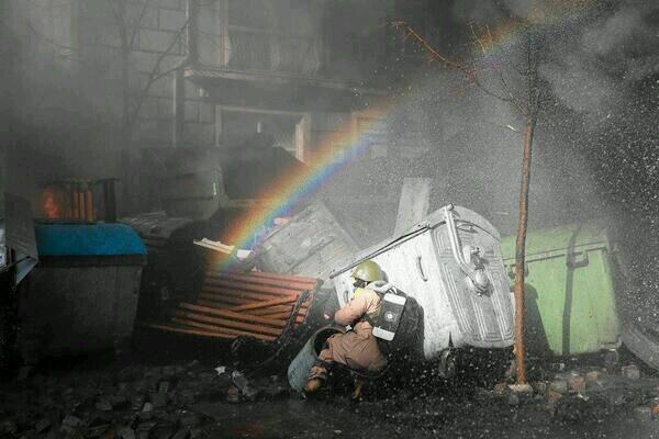 """L'image symbolique d'un espoir incertain, ce soir sur la page Facebook du site ukrainien: """" La vie à Kiev """""""