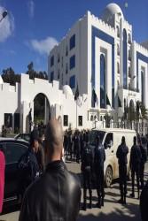 Cordon policier devant le conseil constitutionnel algérien. Photo : F. Atig, Intégrales Productions.