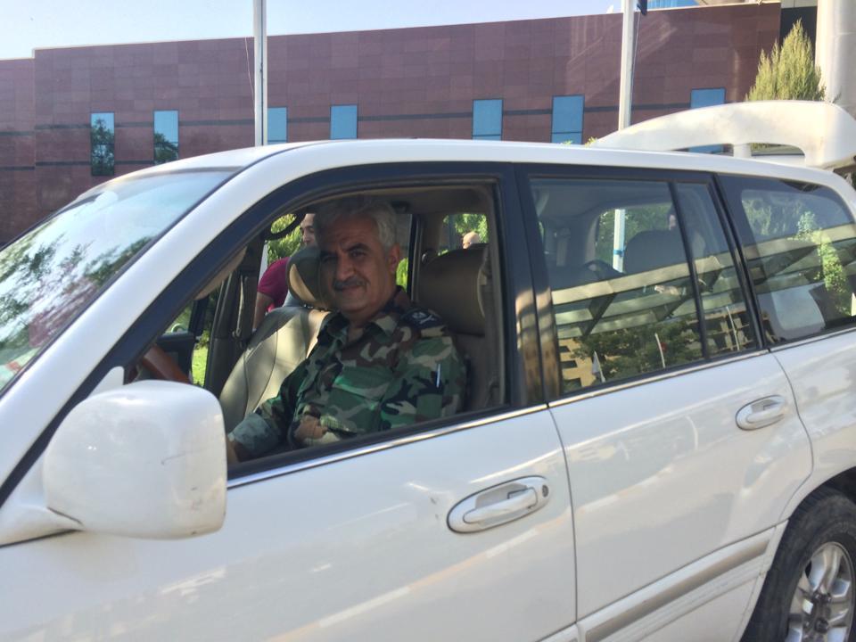 Sur la route de Mossoul, embedded par le maréchal Souleyman. Photo Farouk Atig, Copyright Intégrales Productions