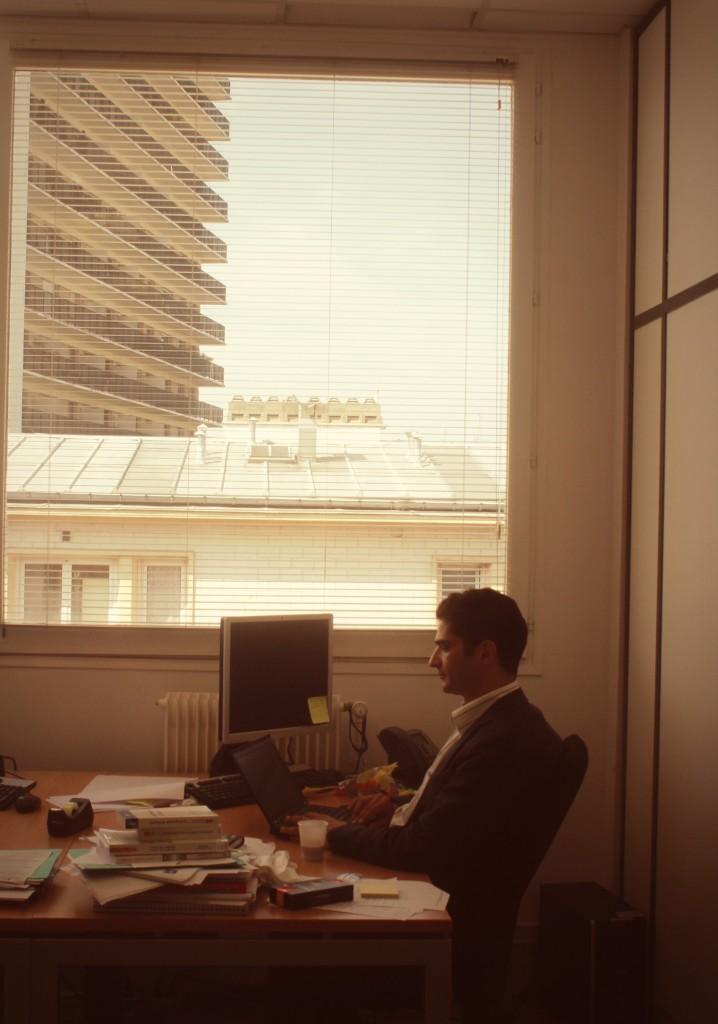 Etienne Candel dans son bureau  Photo : CS, Intégrales Mag