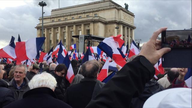 Les organisateurs du rassemblement de soutien à François Fillon du 5 mars 2017 revendiquent 200.000 participants sur la place du Trocadéro, à Paris